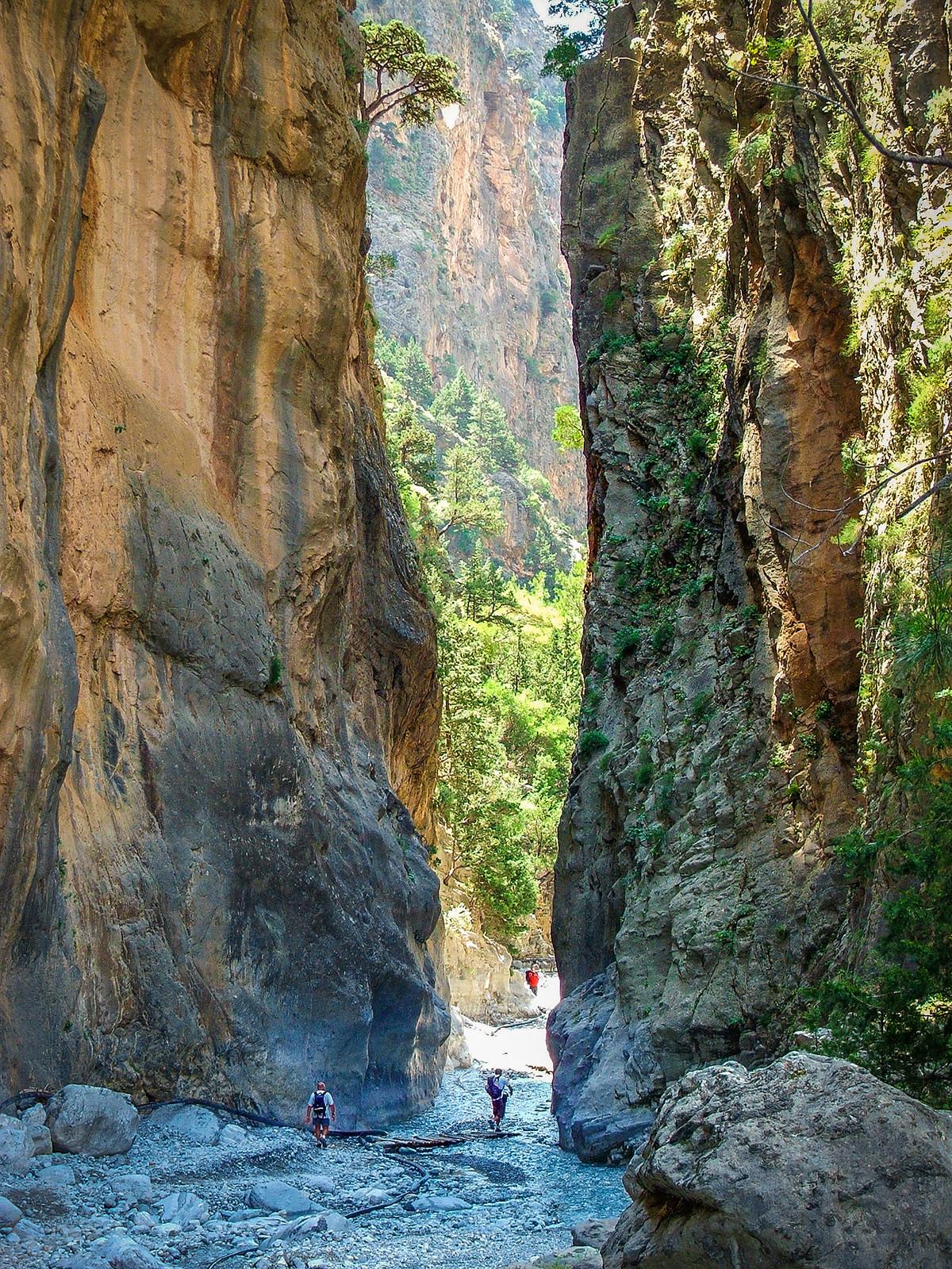 walking samaria1 1200x1600 - WALKING-TOURS-CRETE