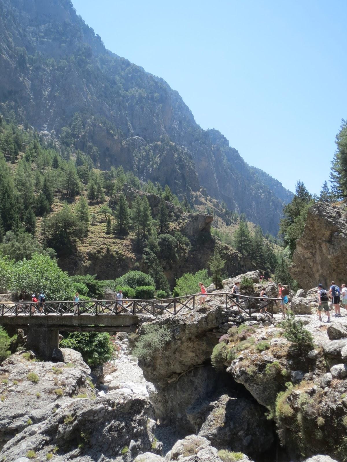 Crossing Taras river Samaria 8 - SAMARIA