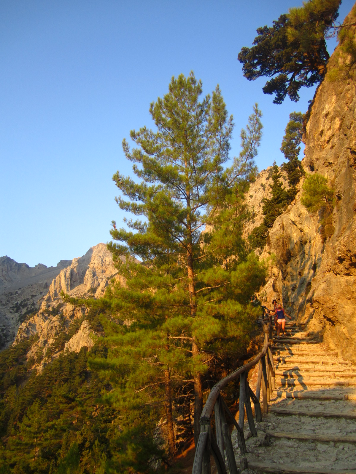 Samaria6 Steps Downhill - SAMARIA