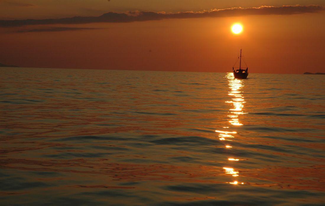 sunset-crete-1100x700