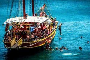 pirateboat300x200.jpg